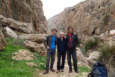 Jožo, Lumír a Maťo v izraelskej oblasti Ein Fara.